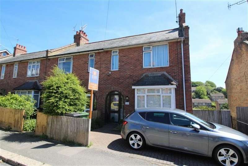 3 Bedrooms End Of Terrace House for sale in Harold Road, Hastings