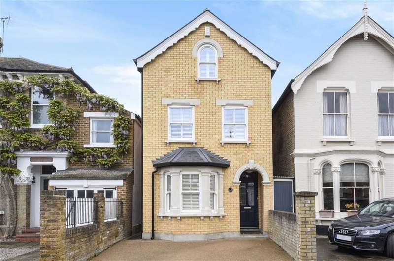 5 Bedrooms Property for sale in Gibbon Road, Kingston Upon Thames