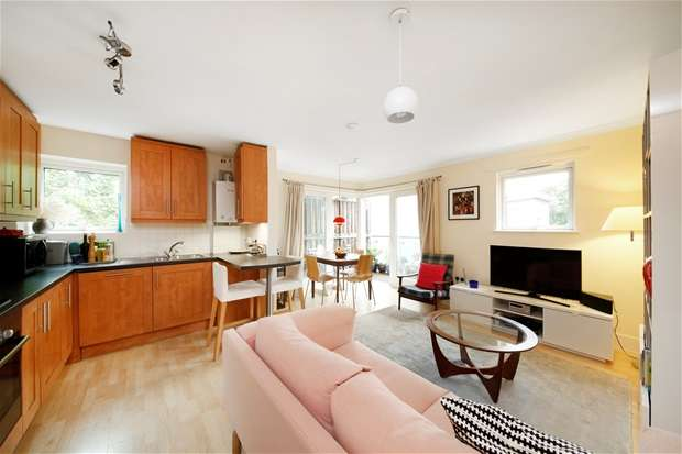 2 Bedrooms Flat for sale in Evan Cook Close, Peckham
