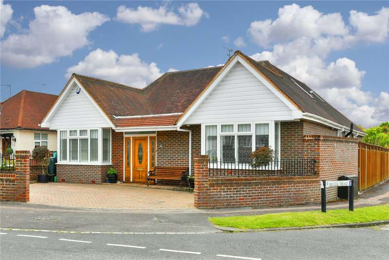 4 Bedrooms Detached Bungalow for sale in Meadow Walk, Epsom, Surrey, KT19