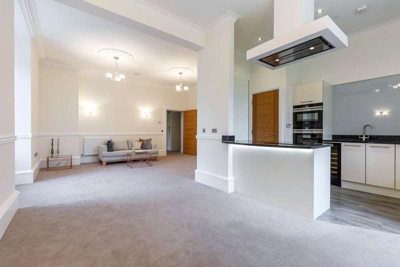 3 Bedrooms Flat for sale in Apartment 6 - Dunlop Manor, Ayrshire, KA3