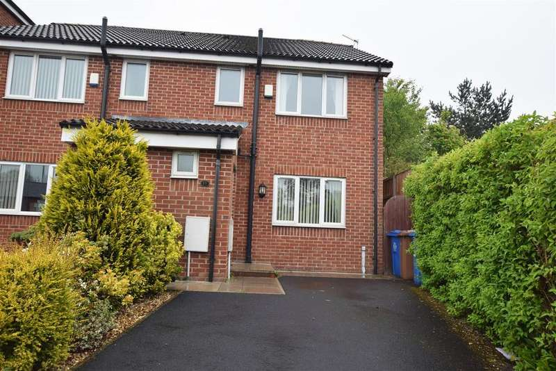 3 Bedrooms Semi Detached House for sale in Newbank Close, Middleton