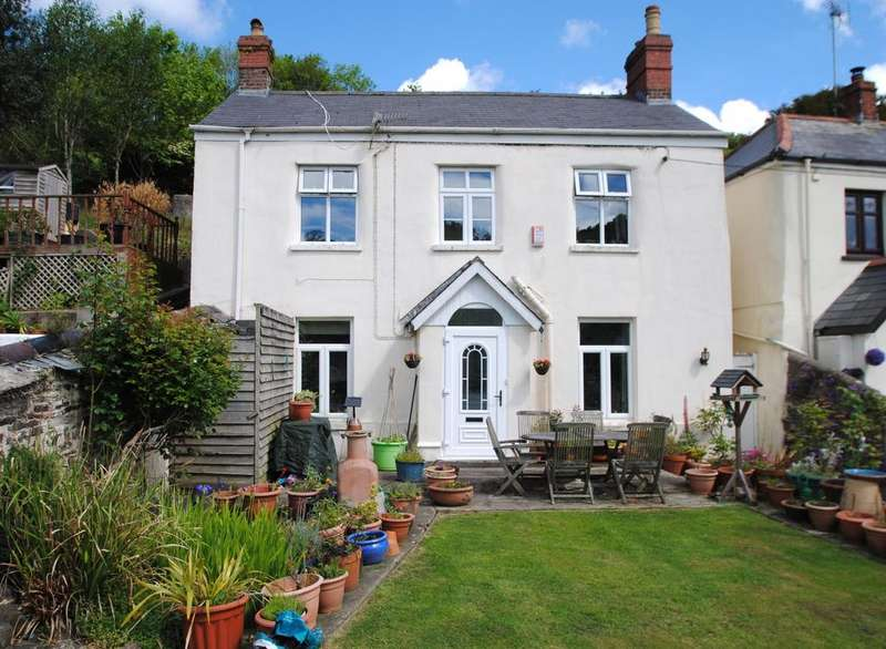 3 Bedrooms Detached House for sale in Station Hill, Swimbridge