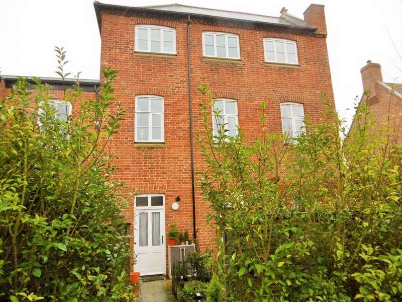 3 Bedrooms Town House for sale in Aylsham