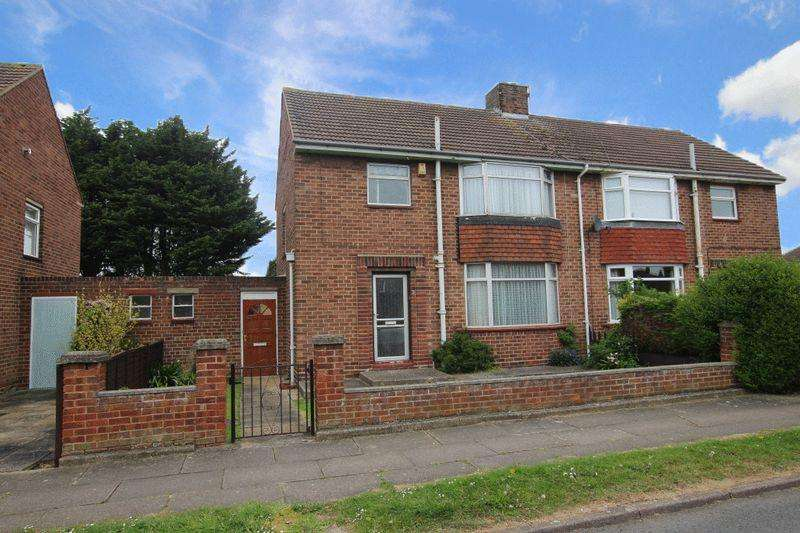3 Bedrooms Semi Detached House for sale in WINCHCOMBE AVENUE, GRIMSBY