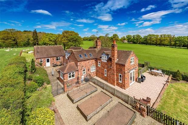 4 Bedrooms Detached House for sale in Birchleys Cottage, Billingsley, BRIDGNORTH, Shropshire
