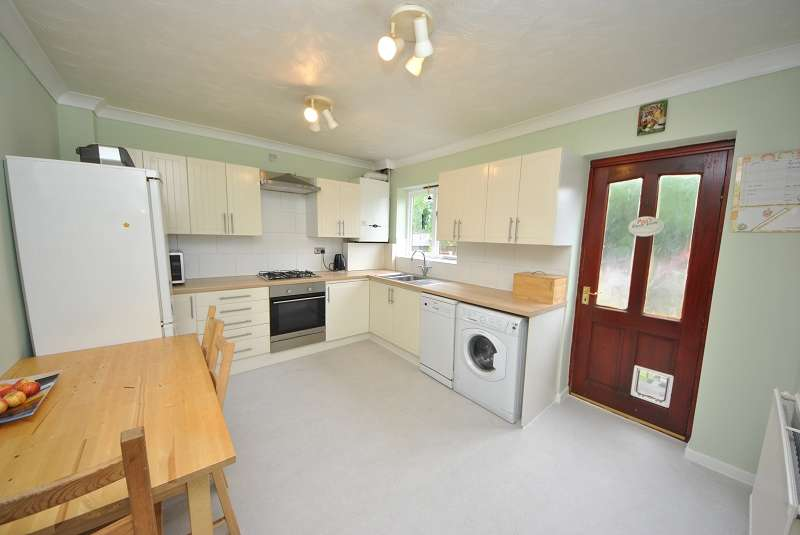 2 Bedrooms Terraced House for sale in Matlock Close, Birkdale, Southport, PR8 5EB