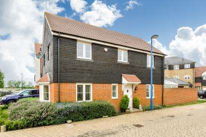 House for sale in Bluewater Quay, Wixams, Bedford, Bedfordshire