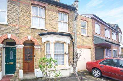 4 Bedrooms Terraced House for sale in London, Na