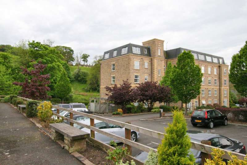 2 Bedrooms Apartment Flat for sale in Dyers Court, Bollington