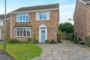 4 Bedrooms Detached House for sale in The Ridings, Biggin Hill, Westerham, Kent