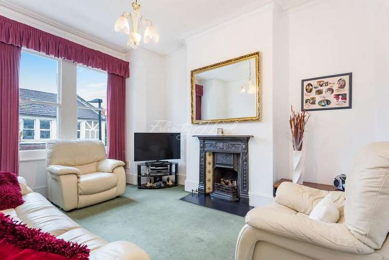 2 Bedrooms Flat for sale in Manchester Road, N15