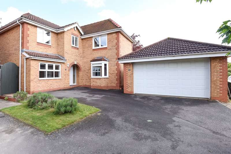4 Bedrooms Detached House for sale in Hawkstone Close, Northampton