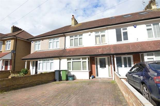 3 Bedrooms Terraced House for sale in Clarendon Road, Cheshunt, Hertfordshire