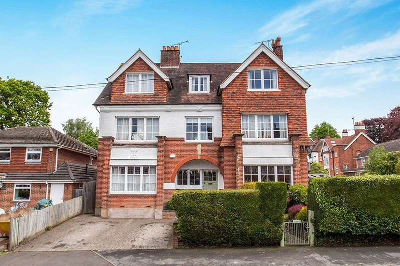 3 Bedrooms Flat for sale in Molyneux Park Road, Tunbridge Wells, TN4