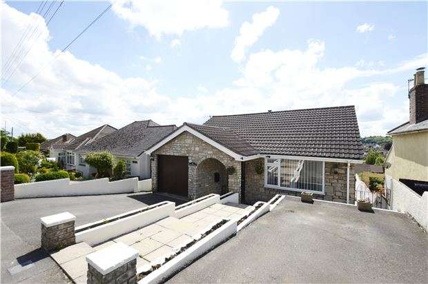 4 Bedrooms Detached House for sale in West Road, Midsomer Norton, RADSTOCK, Somerset, BA3 2TD