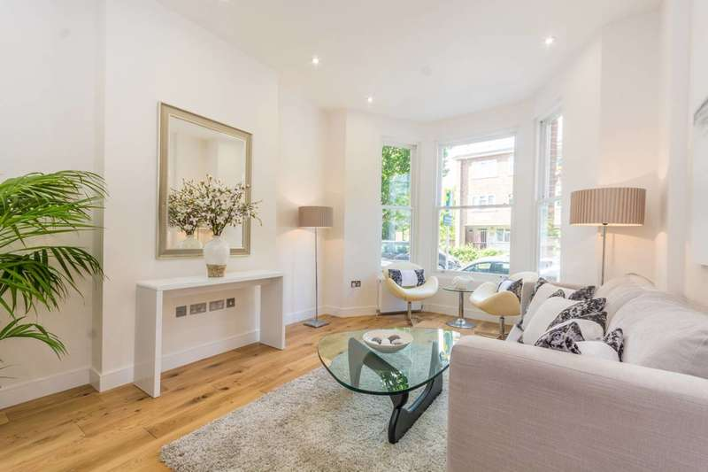 4 Bedrooms Terraced House for sale in Clissold Crescent, Stoke Newington, N16