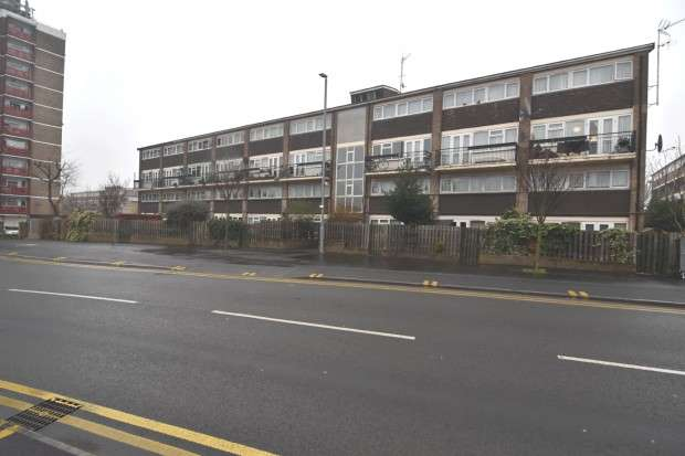 3 Bedrooms Apartment Flat for sale in Leyton Grange Estate Leyton Grange Estate, London, E10