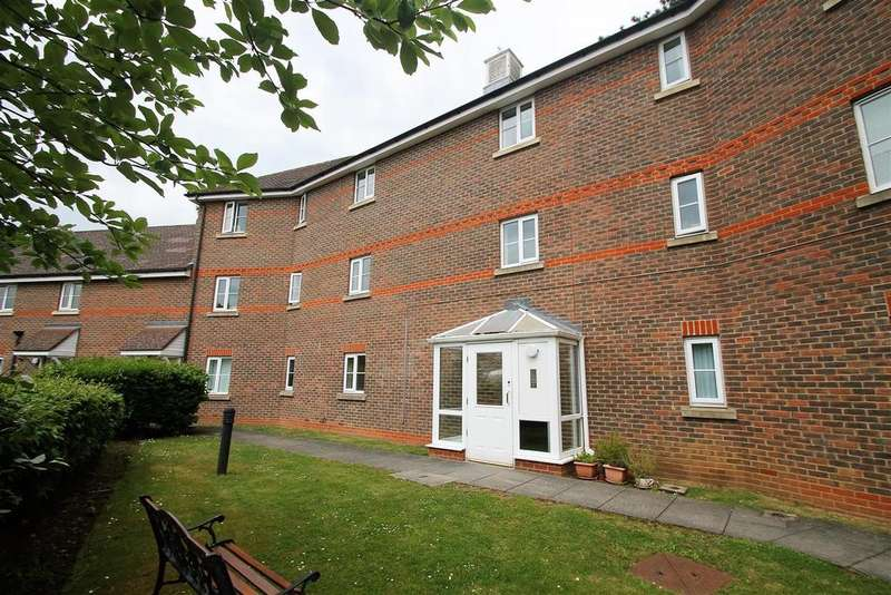 2 Bedrooms Apartment Flat for sale in St. Francis Close, Penenden Heath, Maidstone