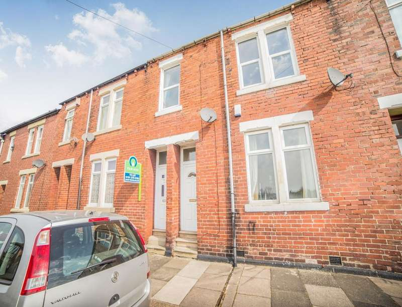 2 Bedrooms Flat for sale in Ayton Street, Newcastle Upon Tyne, NE6