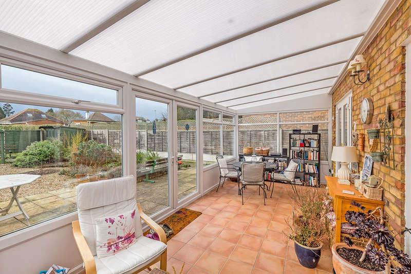4 Bedrooms Detached House for sale in Wickham Close, Newington, SITTINGBOURNE, ME9