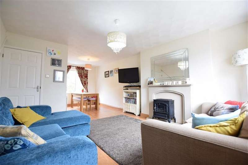 3 Bedrooms Semi Detached House for sale in St Helen Road, Deepcar, Sheffield, S36