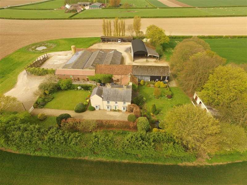 4 Bedrooms Farm House Character Property for sale in Great Houndales Farm, Nafferton, East Yorkshire