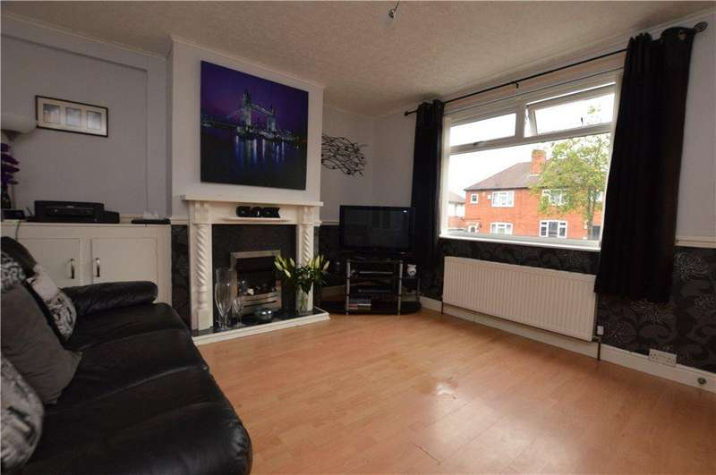 3 Bedrooms Semi Detached House for sale in Cobb Avenue, Wakefield, West Yorkshire