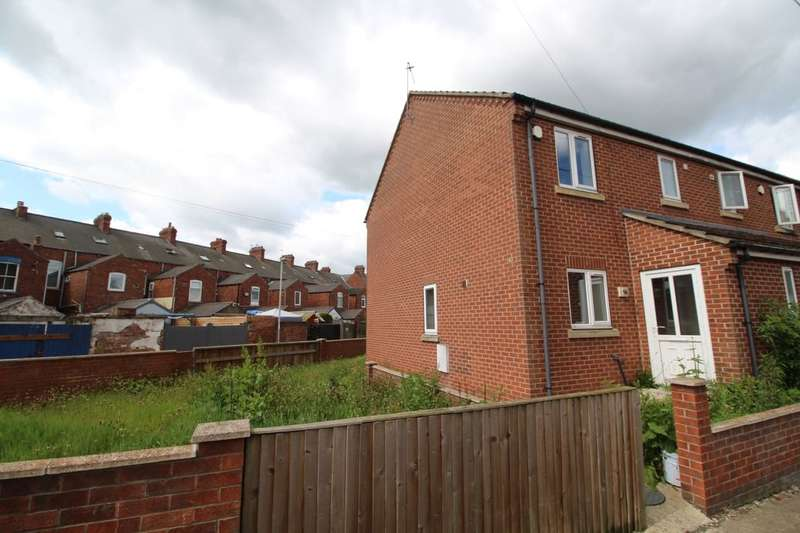 3 Bedrooms Semi Detached House for sale in Marshfield Road, Goole, DN14