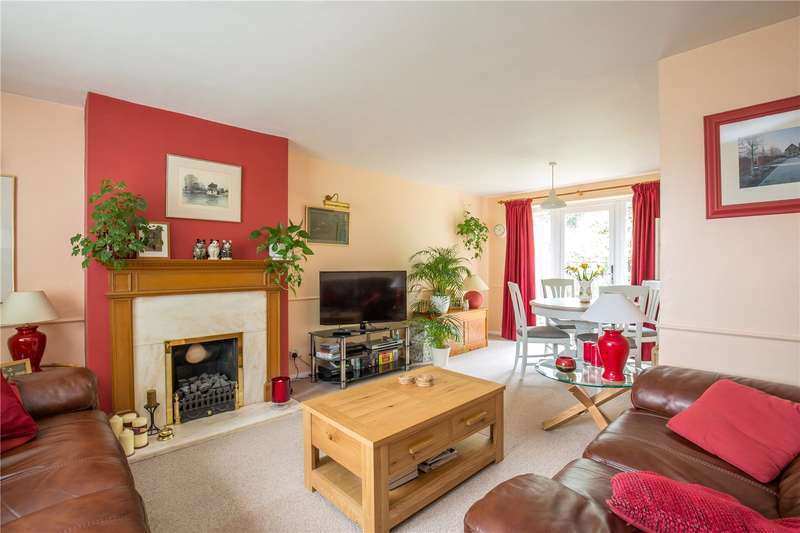 3 Bedrooms Semi Detached House for sale in East Crescent, New Southgate, London, N11