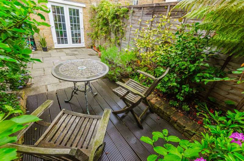 4 Bedrooms House for sale in Hazelmere Road, Queen's Park, NW6