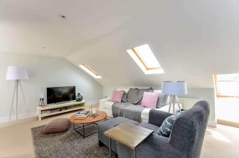 1 Bedroom Flat for sale in Mirabel Road, Fulham Broadway, SW6