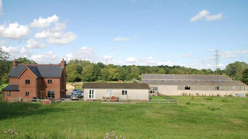 3 Bedrooms Detached House for sale in Crendell, Nr Fordingbridge