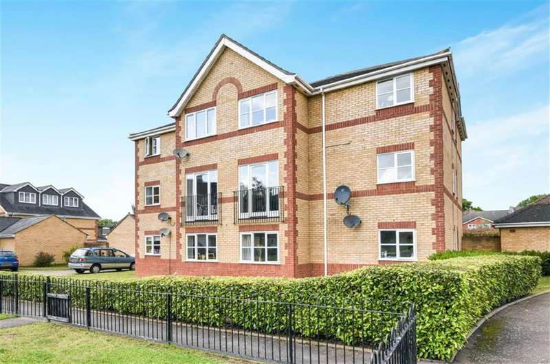 2 Bedrooms Flat for sale in Fairfax House, Livesey Close, Kingston Upon Thames