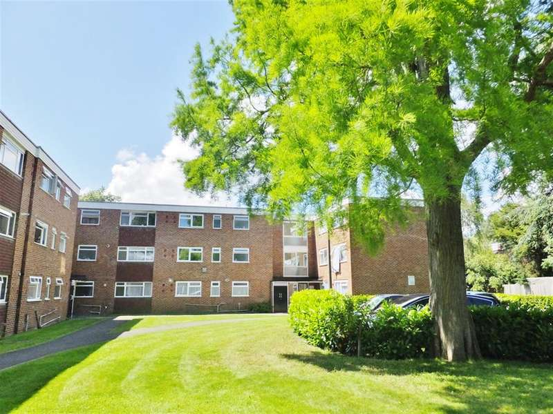 1 Bedroom Ground Flat for sale in Devana End, Carshalton, Surrey, SM5 2NL