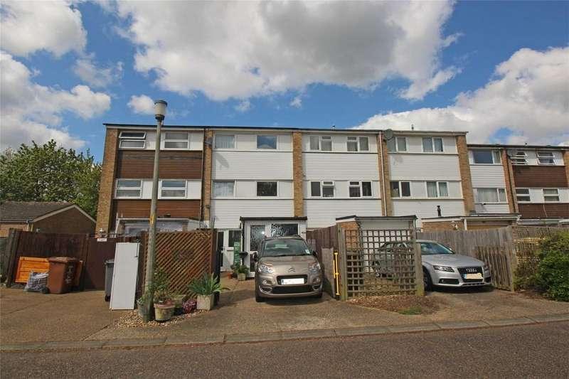 4 Bedrooms Terraced House for sale in Durham road, Stevenage, Hertfordshire
