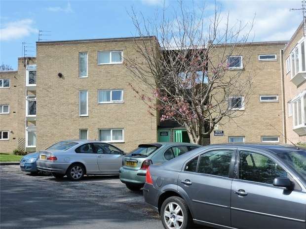 2 Bedrooms Flat for rent in Mount Avenue, Bebington, Wirral