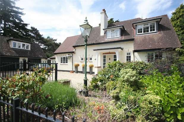 4 Bedrooms Detached House for sale in De Mauley Road, Canford Cliffs, Poole, Dorset