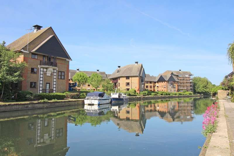 3 Bedrooms Flat for sale in Wickhams Wharf