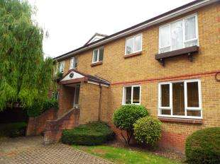 Flat for sale in Victoria Court, Victoria Street, Maidstone, Kent