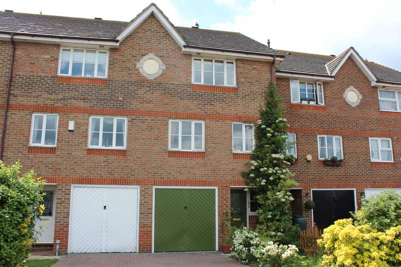 4 Bedrooms Terraced House for sale in Lytham Close, Thamesmead, SE28 8QH