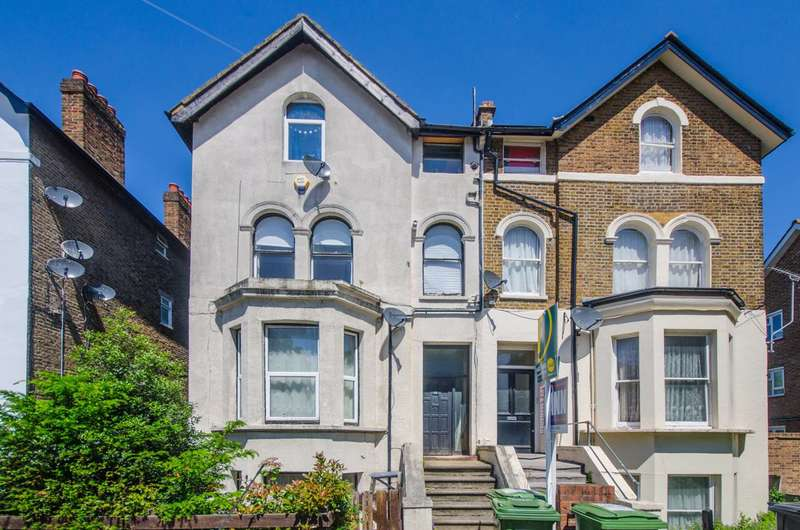 1 Bedroom Flat for sale in Mount Pleasant Road, Lewisham, SE13