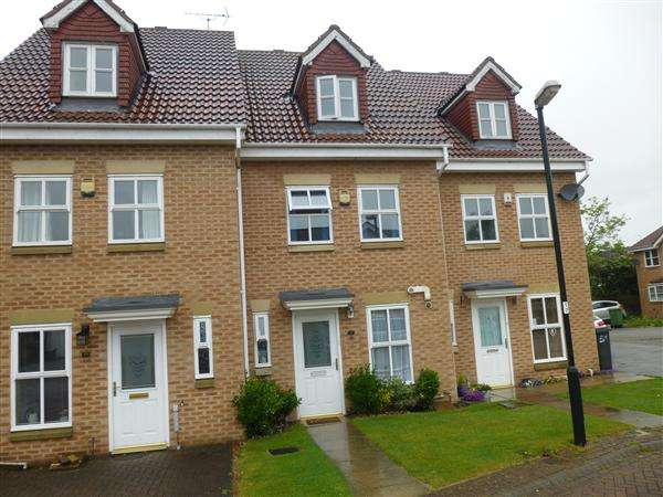 3 Bedrooms Town House for sale in Rainsborough Way, Clifton, York