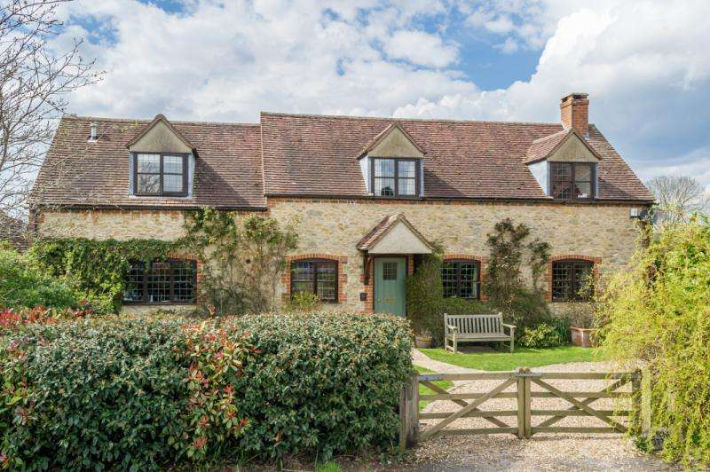 3 Bedrooms Detached House for sale in Stone Cottage, The Laurels, Stadhampton, Oxford, Oxfordshire