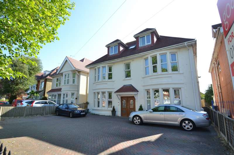 3 Bedrooms Flat for sale in Southbourne
