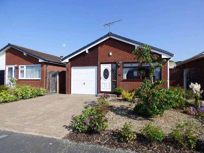 3 Bedrooms Detached Bungalow for sale in Molyneux Place, South Park, Lytham
