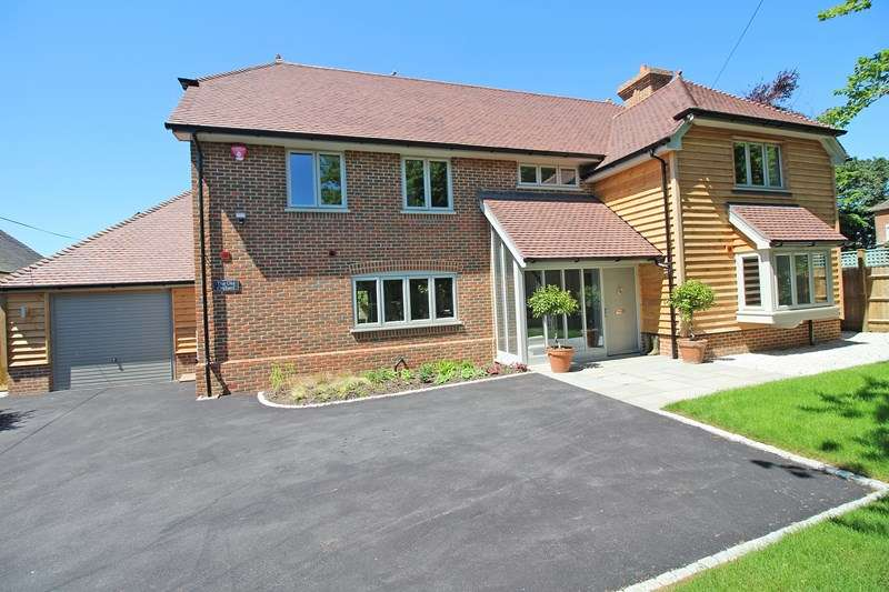 4 Bedrooms Detached House for sale in Barnes Lane, Milford On Sea, Lymington