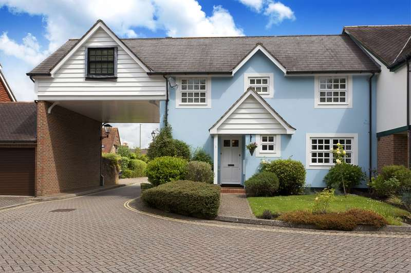 4 Bedrooms Mews House for sale in Parkside Mews, Hurst Road