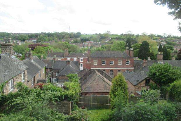 2 Bedrooms Terraced House for sale in Belle Vue Road, Ashbourne, DE6