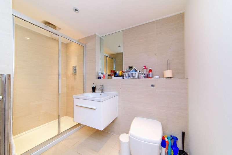 1 Bedroom Flat for sale in Coleshill Road, Teddington, TW11